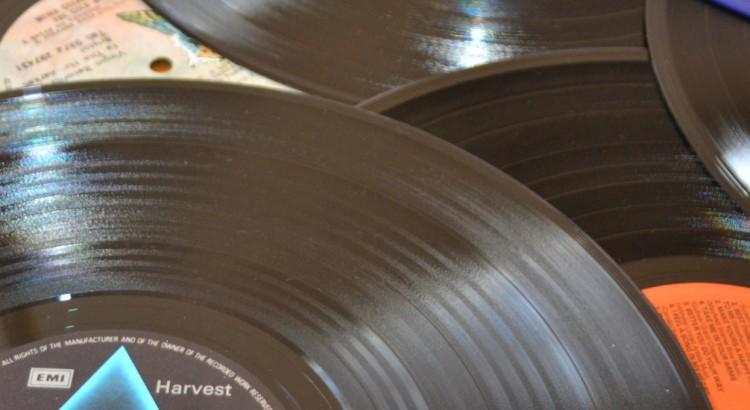 02 The Vinyl Fling